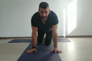 tutorial eka pada Koundinyasana (balance sulle mani con gambe divaricate) 10 min