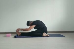tutorial Triang Mucha Ekapada paschimattanasana